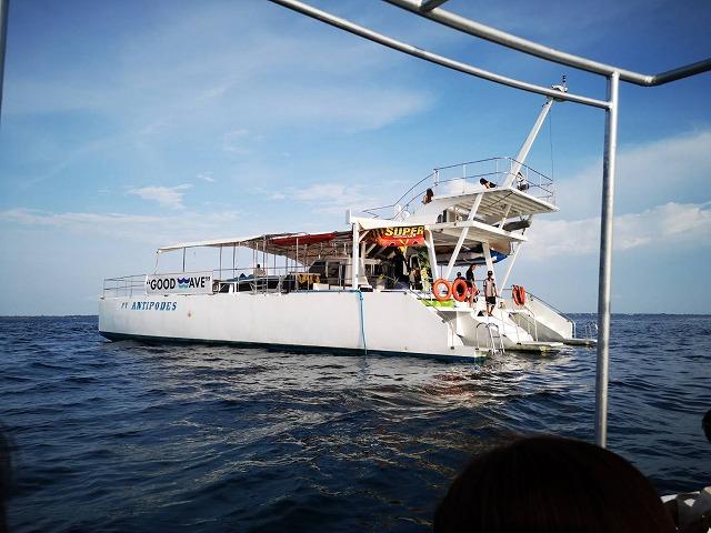 セブ・マクタンのクルーズ船