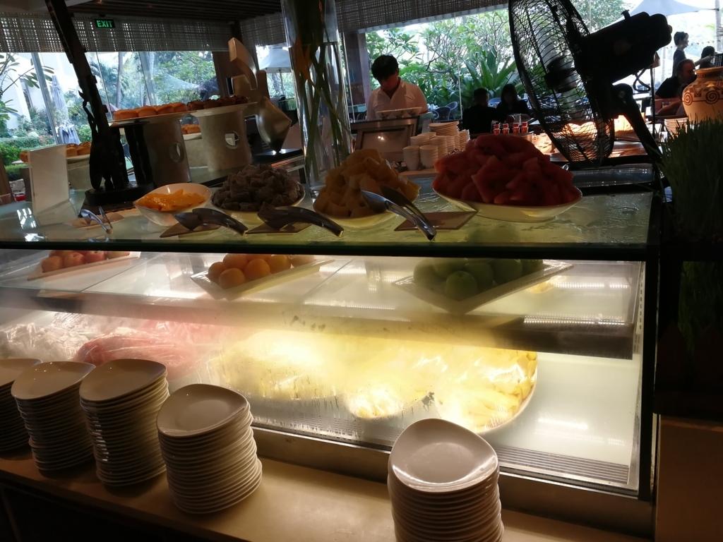 セブ島シャングリラマクタンの朝食フルーツ
