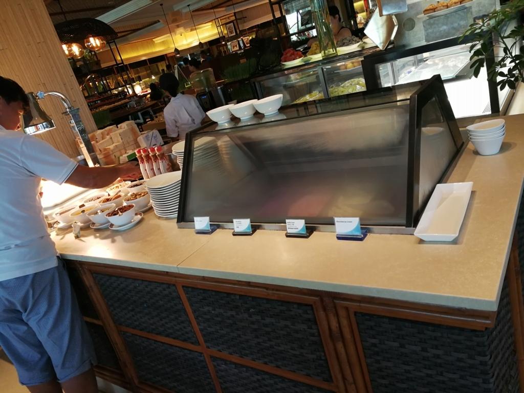 セブ島シャングリラマクタンの朝食アイスクリーム