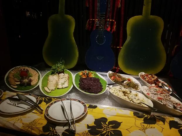 フィリピン・セブ島シャングリラマクタンのディナーショー付きブッフェ