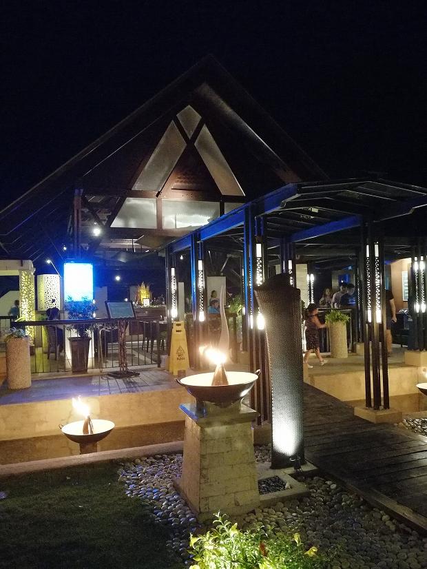 フィリピン・セブ島シャングリラのコウリーコーブで豪華なパエリア
