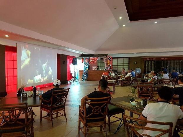 フィリピン・セブ島のアルタビスタゴルフ場で子ども達がコースデビュー